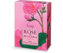 Натуральное мыло с частицами сухих лепестков роз.